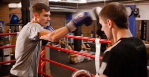 Тренировки по боксу для начинающих взрослых в Москве.