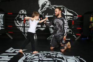 Тренировки для детей по кикбоксингу